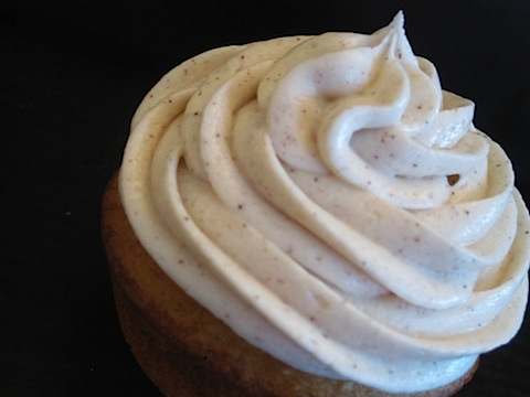 Pumpkin Spice Cupcakes with Honey Cinnamon Cream Cheese Frosting ...