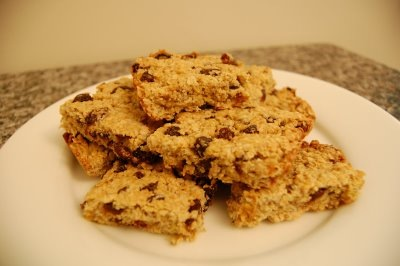 oatmeal raisin bars.jpg