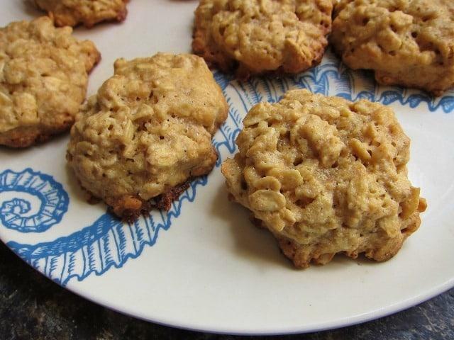 Flourless Oatmeal Peanut Butter Cookies - Carrots 'N' Cake
