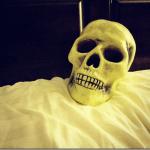 skullinbed