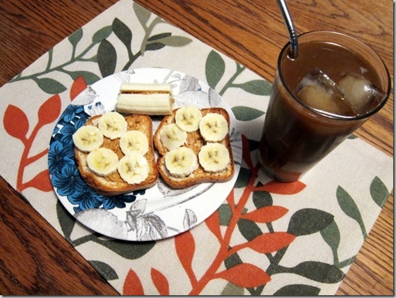 peanut butter and banana on gf bread with Dandy Blend