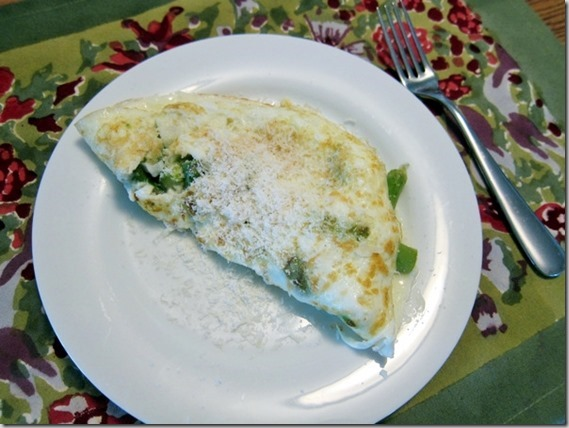 egg white omlete with asparagas