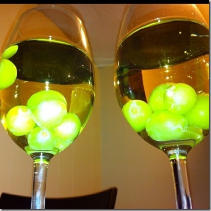 frozen grapes to chill a cocktail