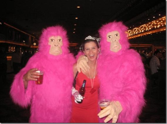 las_vegas_pink_gorillas_