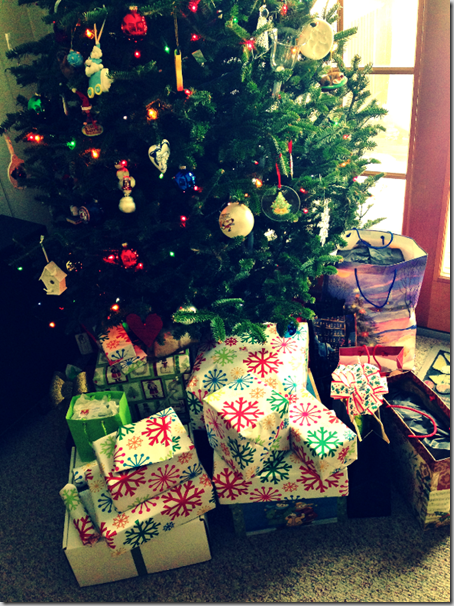christmas_presents_under_tree