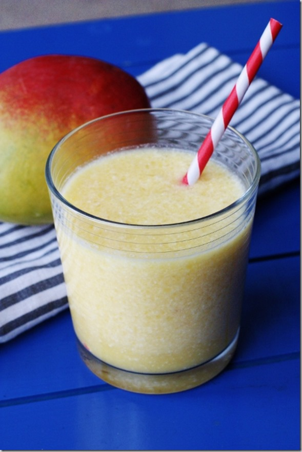 Coco mango smoothie from eating in color twitter party win a mg1823 467x700 forumfinder Choice Image