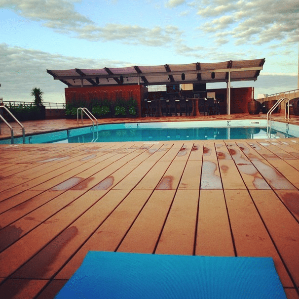rooftop_yoga_at_The_Colonnade_Hotel_