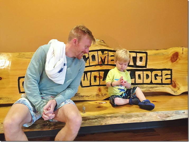 great wolf lodge bench