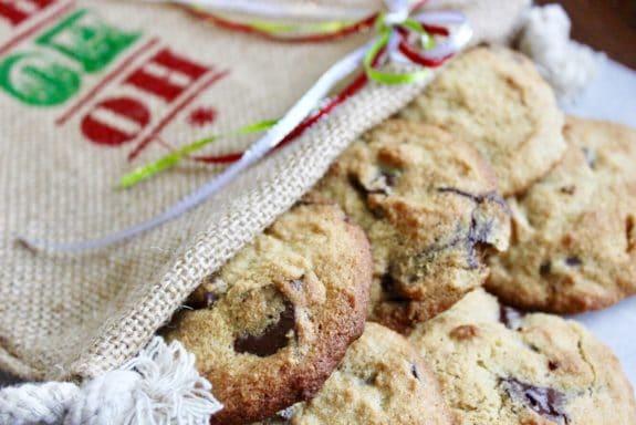 Ooey-Gooey Darkish Chocolate Eggnog Cookies (Gluten-Free)