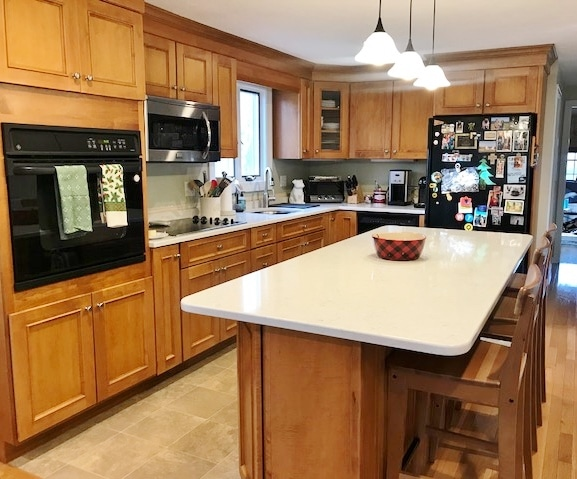 Quartz With Maple Cabinets Carrots N, Light Maple Cabinets With White Quartz Countertops