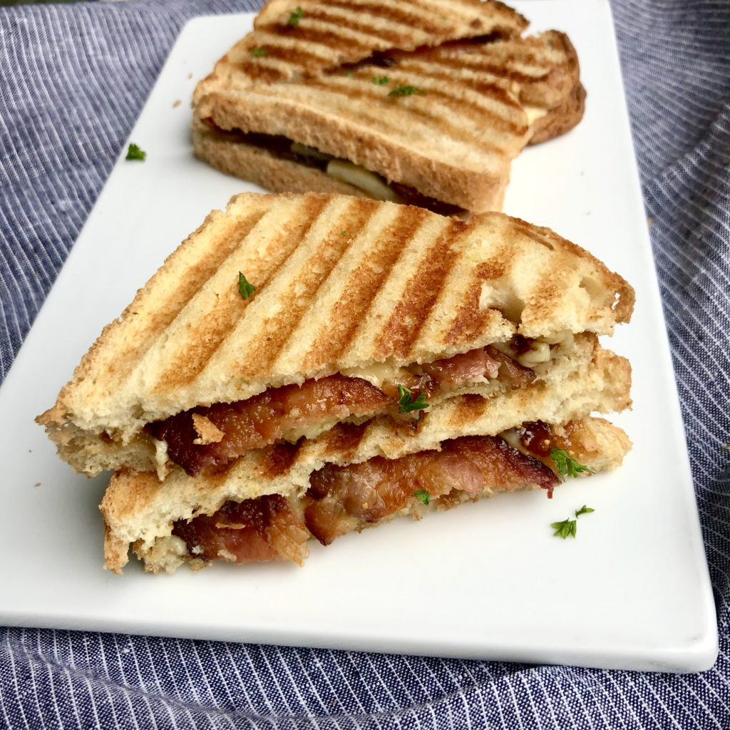 This fig & bacon grilled cheese sandwich tastes totally gourmet!