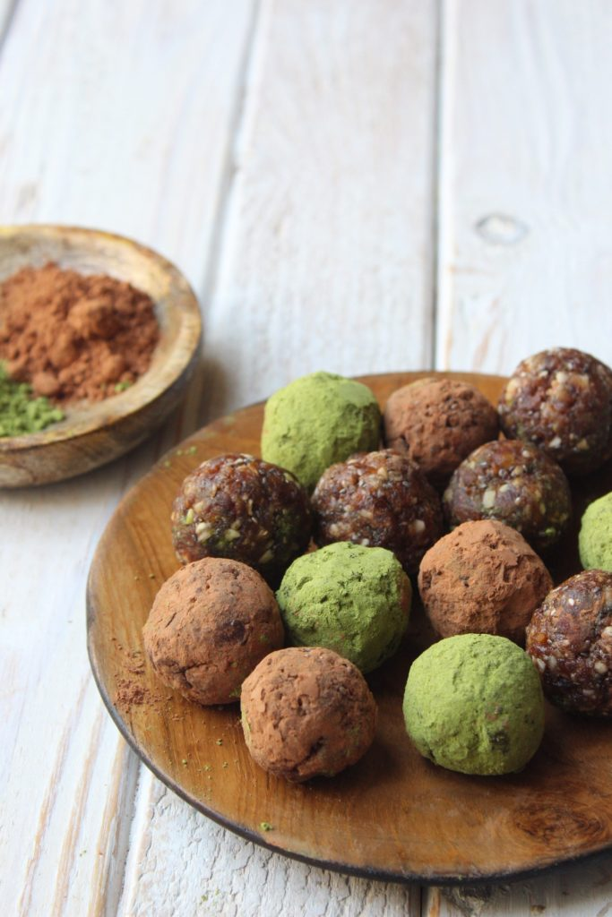 No-Bake Matcha and Cocoa Superfood Protein Balls
